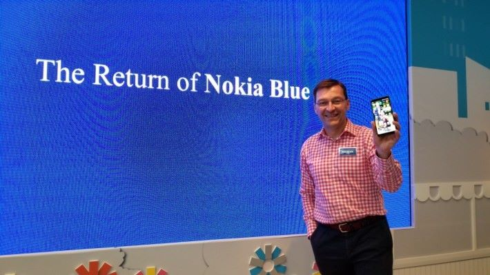 來自芬蘭的 HMD Global Executive VP & CMO Pekka Rantala 透露:「The return of Nokia blue」,等睇嘢喇!