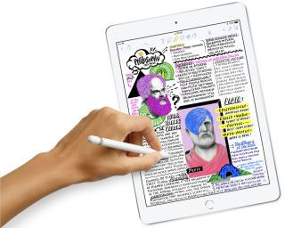 """新 9.7"""" iPad 除了價錢降低之外,還支援 Apple Pencil 。"""