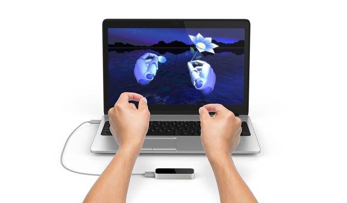 Leap Motion 是個用來踪縱手掌動作的裝置,配合軟件就可與虛擬世界的物件進行互動。