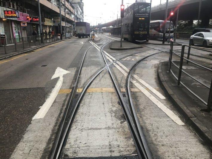 電車內置大數據已調動電車行走班次。
