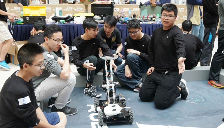 RoboMaster 訓練營 發揮創意及求知精神