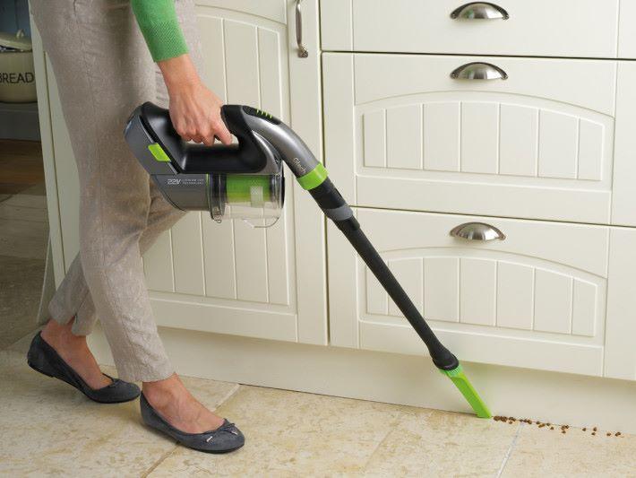 不同配件助理清潔家中每個角落。