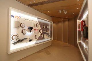 HKSTP @Wheelock Gallery 內展出香港科學園園區公司的創科產品及技術。這些創科成果當中,不少已經可作商業應用,亦正在尋求潛在的投資機會及業務夥伴。