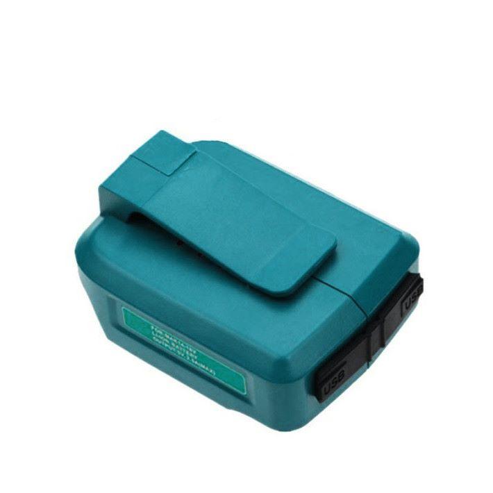 備有皮帶扣,方便把電池掛在腰間使用。