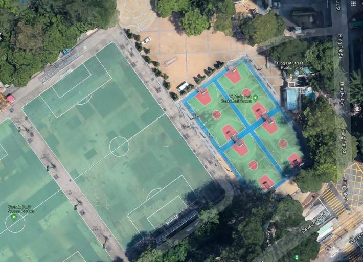 用Google Map鳥瞰維園籃球場做對比,文件中建議升降範圍需半徑30m,即直徑60m空間,大約是8個籃球場,差不多等於一個足球場。