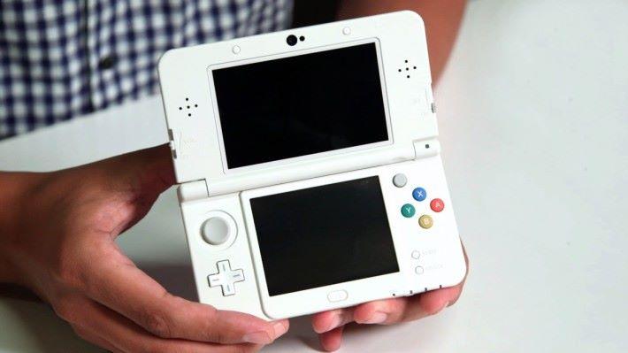 任天堂 3DS 一直有很大獨佔大作支持,令它在手機遊戲當道下,仍有一定的支持。