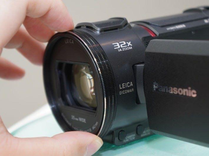 拍攝 1080p 影片時,可作32倍變焦