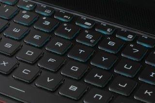 GS63 針對遊戲需要用上 Steelseries Per-Key RGB 鍵盤,玩家能通過軟件自訂鍵盤功能與巨集。
