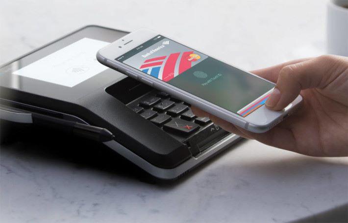 目前 iPhone NFC 的應用集中Apple Pay 支付功能。