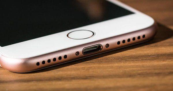 其實直接把 iPhone 改為 USB-C 充電會更簡單吧。