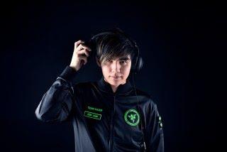 何坤賢( Xian )於EVO2013 得到《街霸 4》世界冠軍寶座,各位玩家又覺得讓賽 3 秒足不足夠呢?