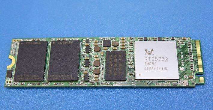 RTS5762 M.2 參考方案,設有 NANYA DRAM 作 HMB 。