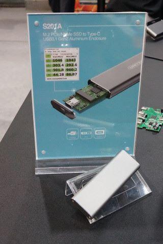 同場還展出一款 M.2 NVMe SSD 轉 USB-C 的外設產品。