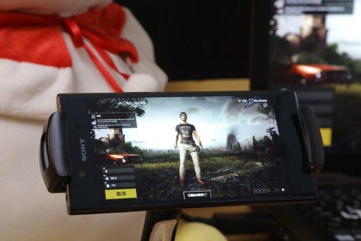 有自家手機版唔玩,作死用手機玩 PC 版《絕地求生》一樣得!