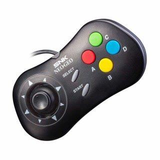 分開發售的專用手掣,設計與舊 NEOGEO 相似,而同時按下 Start 和 Select 掣就可以儲存或載入遊戲。