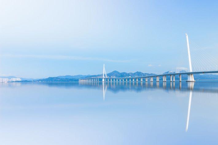 連接香港澳門及珠海的港珠澳大橋快將開通,三地連接將會更為緊密,亦加強了在以上地方使用流動數據的需求。