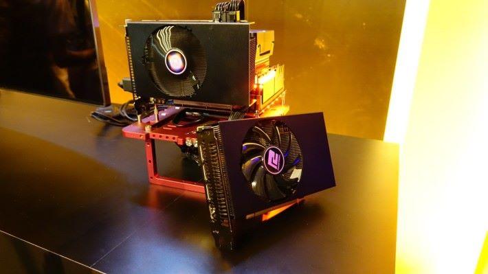 PowerColor RX Vega 56 Nano 顯示卡實物。