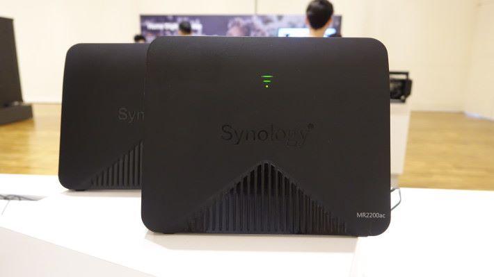 Synology 也進軍 Mesh Router 市場了,首款 Mesh 產品為 MR2200AC