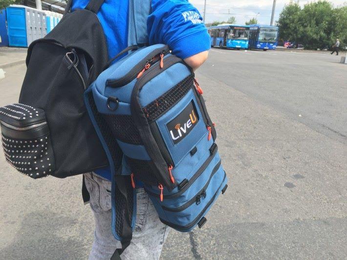 直播裝置只有 LiveU 背包般的大小,雖然攝製人員要攜帶多一件物件,不過提升即時工作效率,能將第一手資訊送回香港。