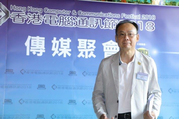 香港電腦商會創會會長張耀成先生,期望電競音樂節能帶來協同效應,使今年電腦通訊節的入場人次再創高峰,刷新記錄。