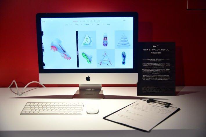購物後(於網上或即場)可以在這裡即時設計自己的球衣。