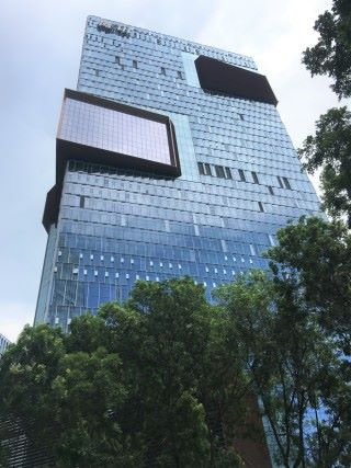 騰訊新總部同樣位於深圳科技園,跟舊總部距離十多分鐘車程。