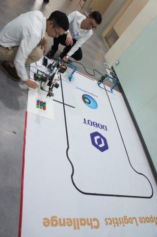 加上智能車就製作出一個小型工廠生產流程。