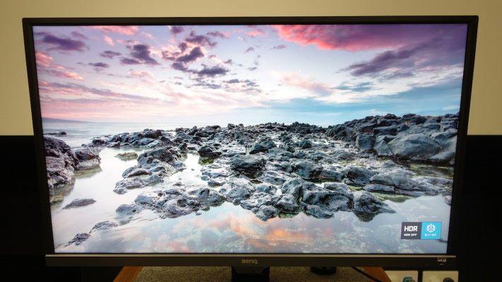 只開啟 B.I.+ 舒視屏,畫面雖然有低藍光及不閃頻等護眼功能,也會自動偵測環境亮度來調整屏幕亮度,但照片的亮度及細節略為減少!
