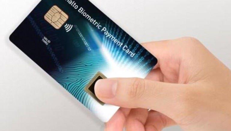 信用卡支援指紋認證 俾錢快過嘟手機