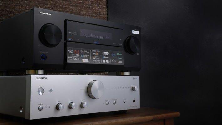 .示範當晚以LX503 + Onkyo A-9150 立體聲合併擴音機,組成 13 聲道環繞聲效果。