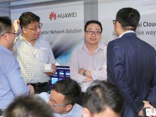 來賓在華為 IP Club 技術研討會一同探討數碼轉型的 IP 新技術。