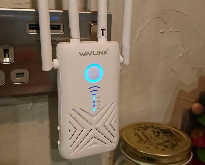按掣設定 WPS 時,Repeater 的 LED 燈顯示只收到 1 格訊號。