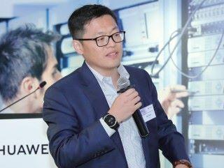 香港企業業務部 Marketing 與解决方案銷售部部長王岩軍先生為研討會作總結。他表示,現時數碼化轉型已經成為企業重要課題之一,通過這個 IP 技術研討會,華為與合作夥伴及客戶一起探討園區及數據中心的最新方案與 IP 技術,推動 IP 技術在香港企業的應用。