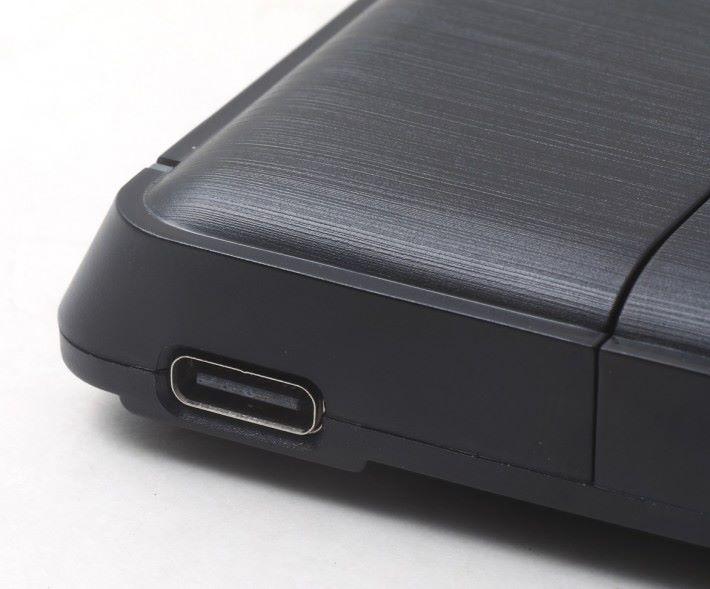 支援 USB Type-C 介面