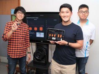 (左起)楊之一、張文斐和劉才軒,為產品正式推出前作最後測試。