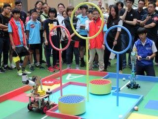 兩隊的機械人需要指定的範圍進行比賽,難度極高。