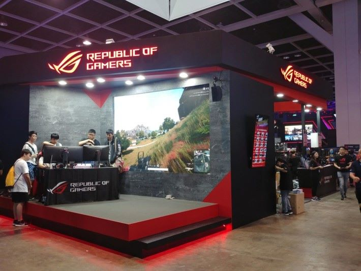 Asus 於場內特設 ROG 產品專區,各位可以購買到 ROG 的各款電競產品。