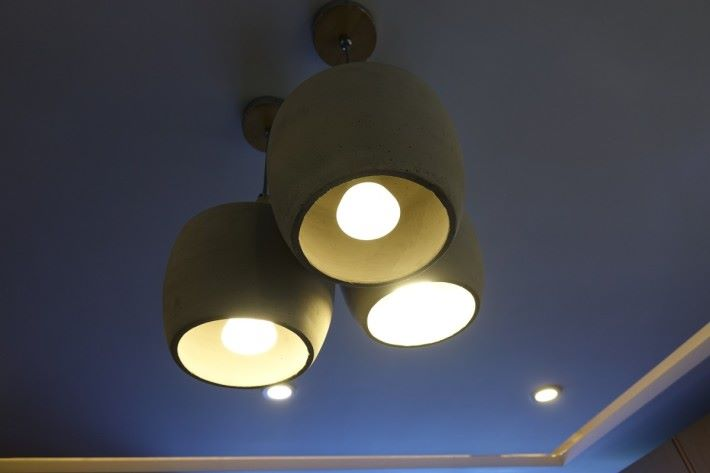 控制燈光開關