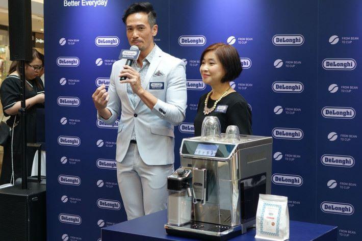 陳豪提到喜歡喝濃厚的咖啡。