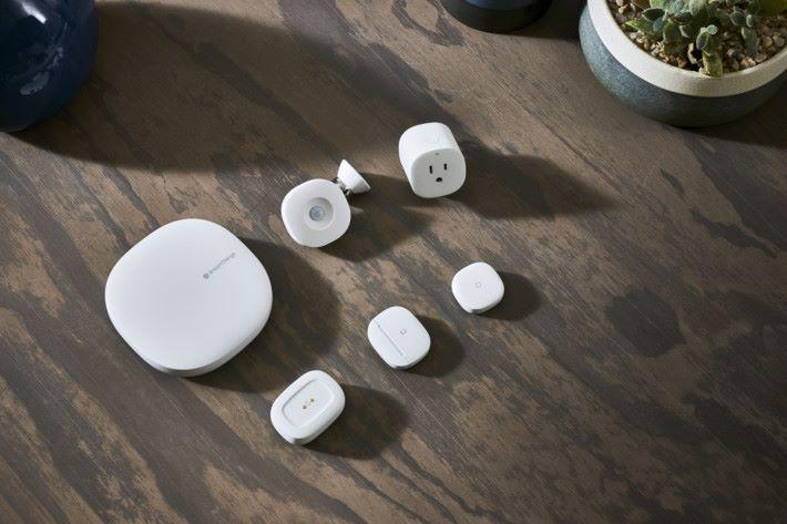 SmartThings Wifi 不單是 Mesh Wi-Fi 路由器和節點,更擔任智能家居中樞。