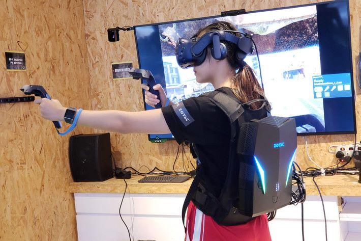 屆時各個「英雄防線:勇士們-亞洲邀請賽」選手均使用 VIVE Pro 及首次亮相的 ZOTAC VR 背囊 VR GO 2.0 進行比賽。