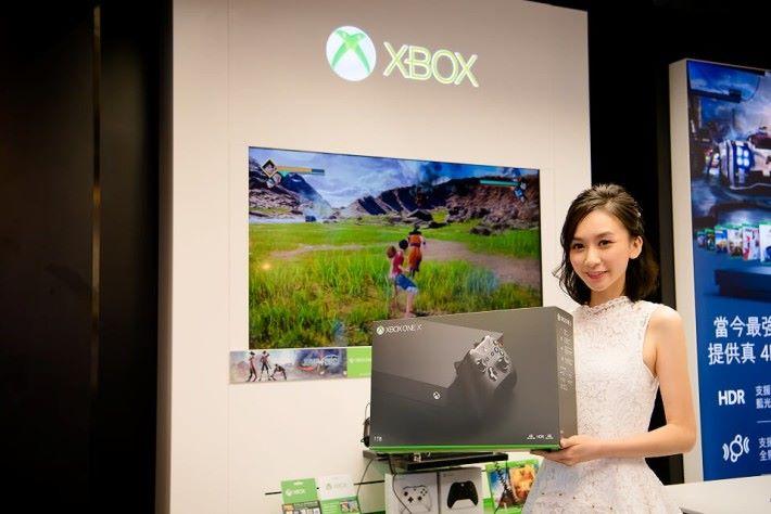 性能強勁的 Xbox One X 主機及多款新遊戲,也能在「Microsoft Store in Store」進行試玩。