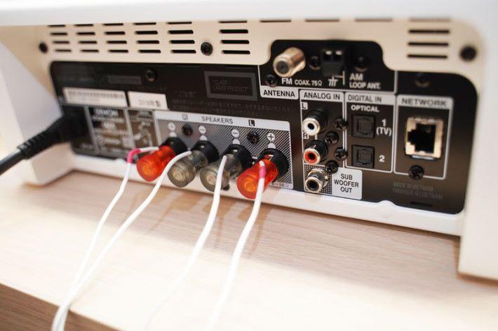 支援網絡功能,能透過有線或無線接連網絡