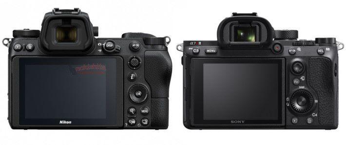 機背的手握位置較 Sony A7R III 的明顯。