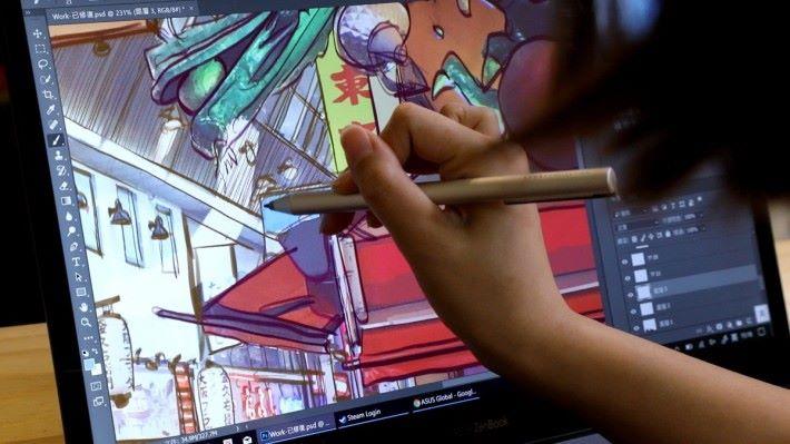 ASUS Pen 備有 1,024 段力壓感應,可以完美捕捉樹娃的細緻筆觸,讓她可以盡情發揮創意。