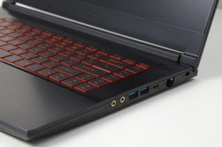 另有 USB Type-C 端子,無論新舊周邊配件都能輕鬆連接。