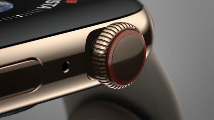 新錶冠設計當轉動時會有觸感反應,更備有電子心率感測器。