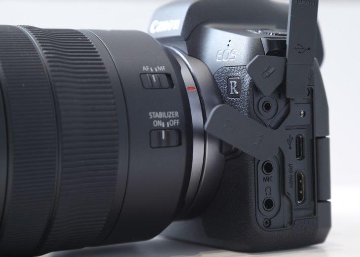 R 設有最高 4K@30p 攝錄功能,不過 1.8x 的裁切係數卻讓攝影師卻步。