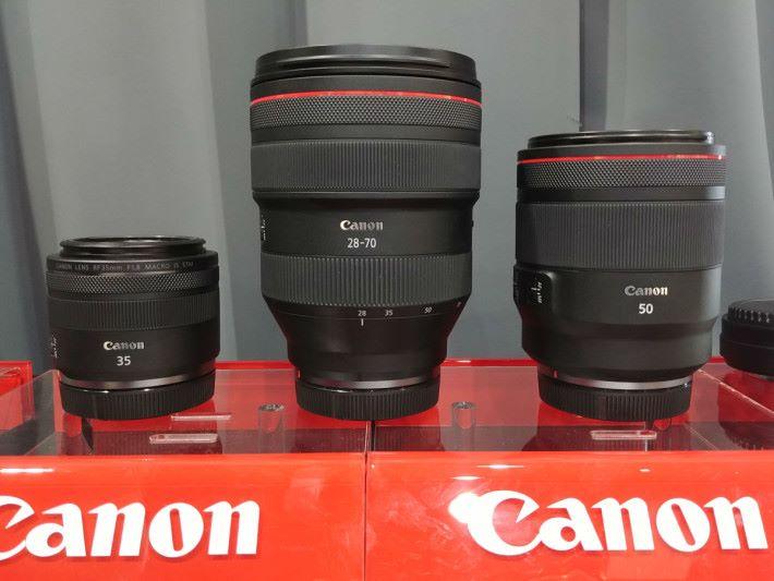 同場還有 3 支 RF 鏡頭供試拍。