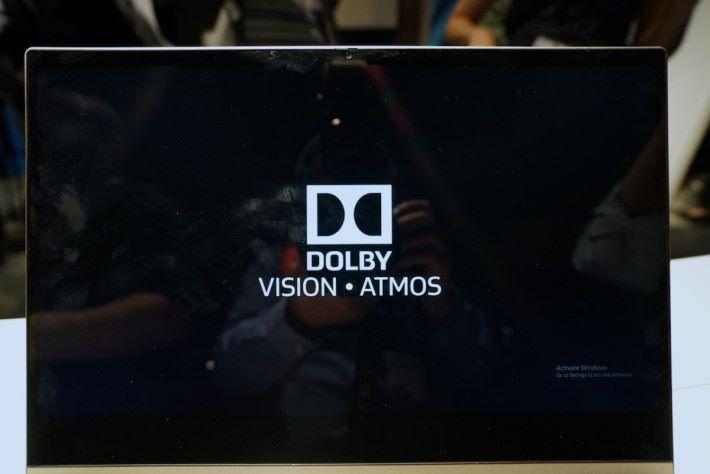 .今年 Lenovo 多部電腦,都配搭 4K HDR 屏幕,支援 Dolby Vision 和 Dolby Atmos。